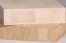 Fregio delle porte in legno di conifere